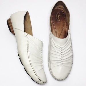 Clark's Artisan White Leather Loafers Women's 8.5